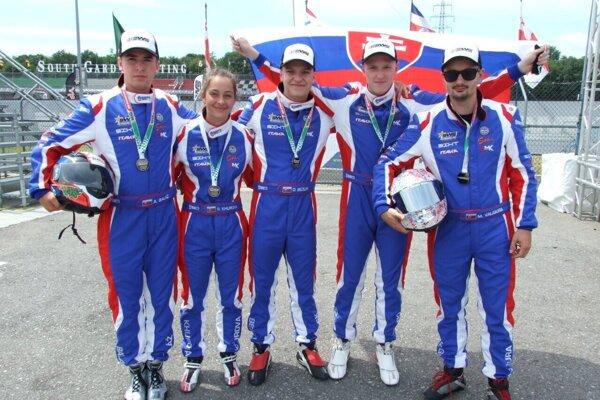 Adama Baláž (prvý zľava) z Kalnej nad Hronom na majstrovstvách sveta v Taliansku.