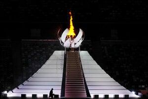 Olympijský oheň na LOH Tokio 2020 / 2021 zapálila tenistka Naomi Osaková.