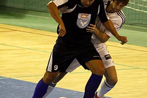 Anton Suchan je v MFsK hrajúcim trénerom aj šéfom klubu.