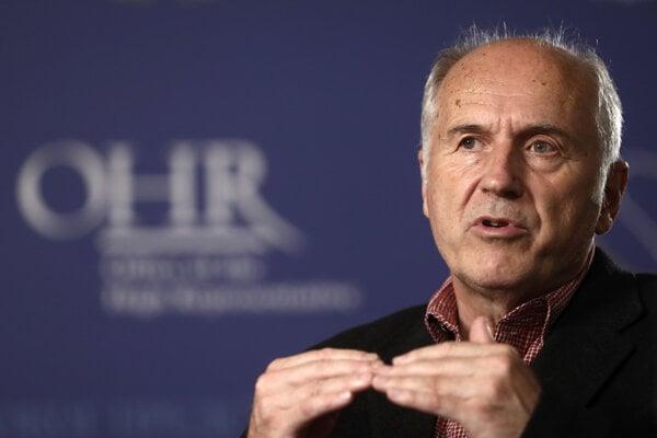 Vysoký predstaviteľ Organizácie Spojených národov (OSN) pre Bosnu Valentin Inzko, ktorý zakázal popieranie genocídy.