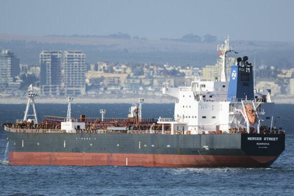 Napadnutá loď sa plaví pod libérijskou vlajkou.