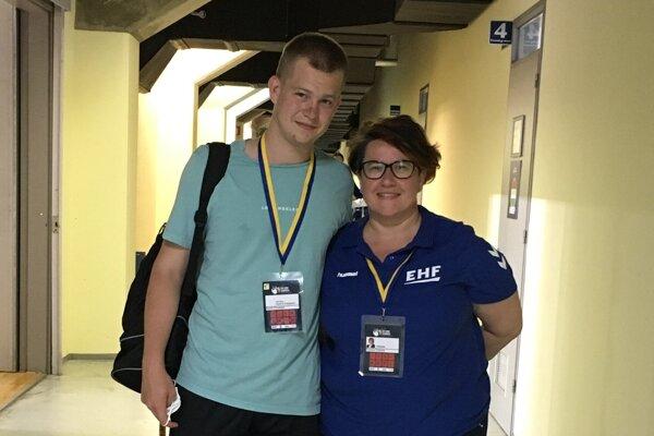 Slovenská medzinárodná delegátka Zuzana Füleová a Dávid Chudoba.