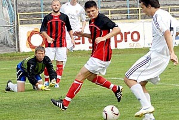 Brankár Fišan je na kolenách, Čierny Brod sa lúči s treťou ligou.