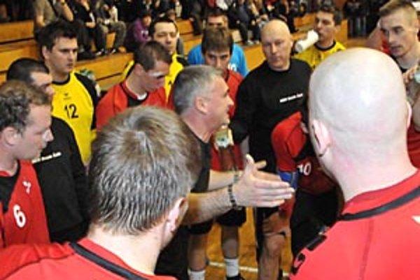 Kolektív Šale pod vedením trénera Petra Sporniho obsadil v prvej lige druhé miesto za rezervou Prešova.