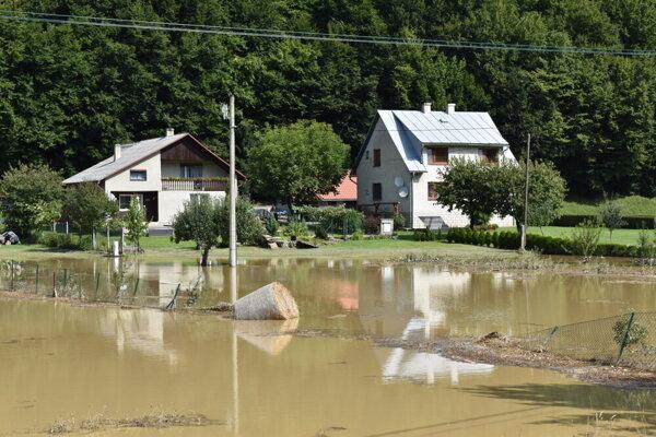 Obec Gerlachov po búrkach.