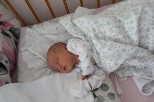 Ema Martinková (49 cm a 3 020 g), sa narodila 29. júla Janke a Milošovi z Považskej Bystrice.
