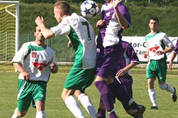 V okresnom derby Komárno porazilo Okoličnú n/O. 4:2.