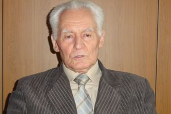 Profesor Špánik z poľnohospodárskej univerzity.
