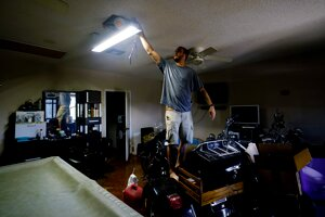 Tropická búrka Ida odstavila od energie viac ako milión domácností a firiem v americkom štáte Louisiana.