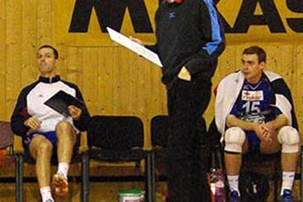 Peter Toman (vľavo) je hrajúcim asistentom Ľubomíra Pašku.