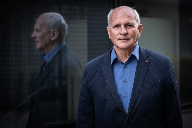 Niekdajší katolícky disident, šéf parlamentu a politik František Mikloško.