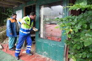 Časť nelegálnych stavieb už odstránili.
