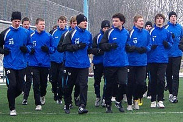 Róbert Rák sa zatiaľ normálne pripravuje s FC Nitra.