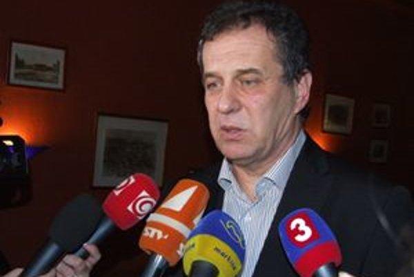 Primátor Dvonč bude mať plat vyšší ako župan Belica, ktorý zarába zhruba 3 100 eur.