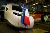 Macron predstavil nový model rýchlovlaku TGV