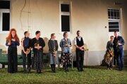 """Divadlné predstavenie Krajina na dlani ukázalo, že kultúra do Timravinho kraja patrí a môže """"oživiť"""" aj túto výnimočnú spisovateľku."""