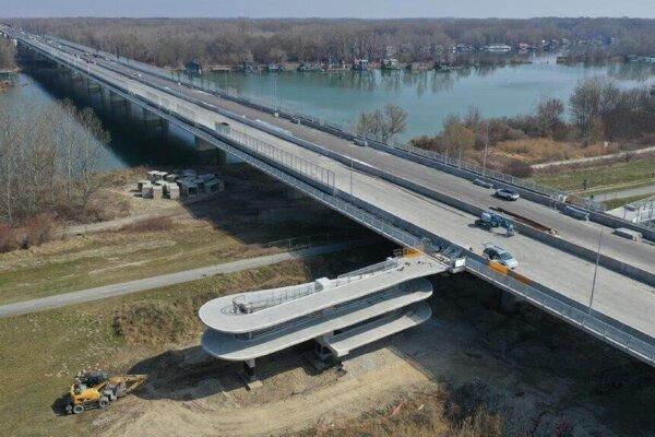 Lužný most