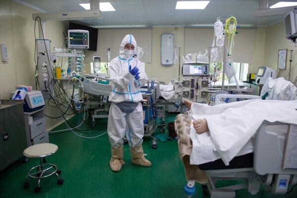 Situácia v súvislosti s koronavírusom v Rusku sa zhoršuje.