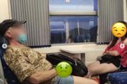 Stránka stop_catcalling_now zverejnila zábery muža, ktorý vo vlaku masturboval pred mladými ženami.