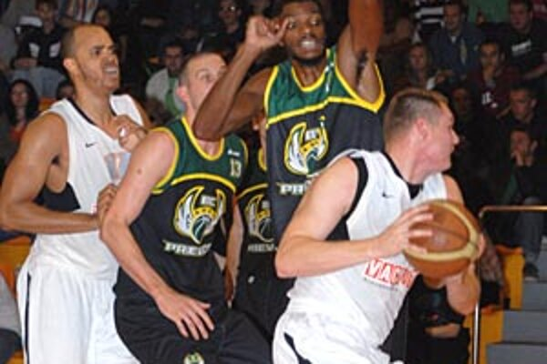 Ústrednou postavou Nitry bol 35-bodový Branislav Tomek.
