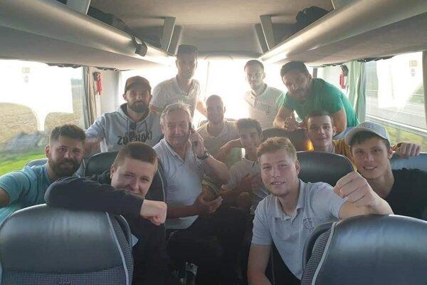 FC Topoľčany zvíťazili v Hornej Kráľovej 9:1.
