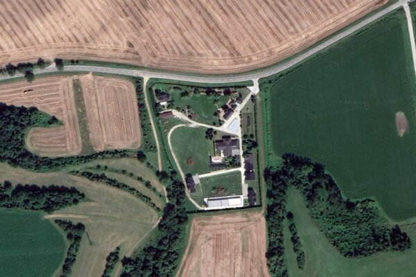 Pohľad na farmu Welcome Hania Physics.