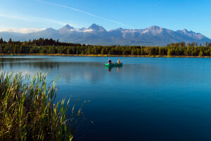 V lete je štrkovisko miestom oddychu a vodných športov. Na jeseň je tu už väčší pokoj.