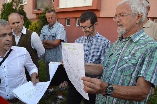 Petičiari bojovali v roku 2018 proti výstavbe prístupovej cesty.