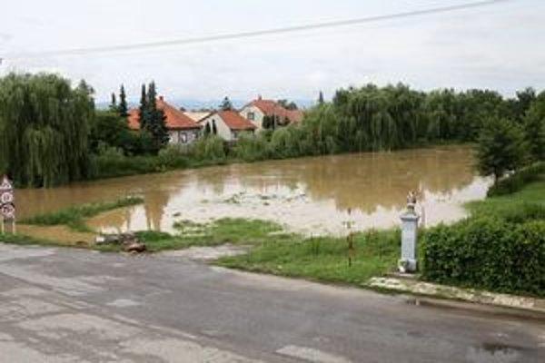 Takto dnes vyzerala situácia vo Vieske nad Žitavou.
