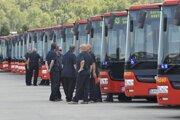 Nízkopodlažné klimatizované autobusoy značky Sor.