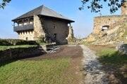 Obnovená kazematy na fiľakovskom hrade sa nachádzajú v tzv. strednom hrade.