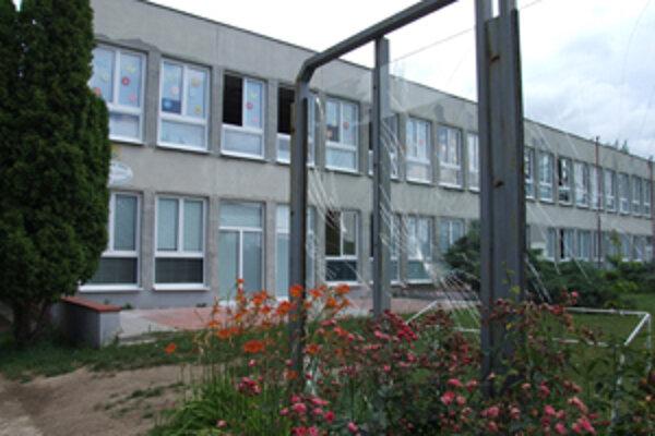Cirkevná škola je jedinou cirkevnou školou v meste.