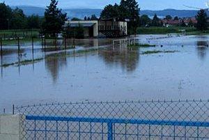 Futbalové ihrisko v Sľažanoch vo štvrtok.