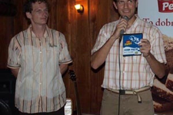 Michal Ivan (vpravo) s Radom Lacom sú zapálení beachvolejbaloví nadšenci.