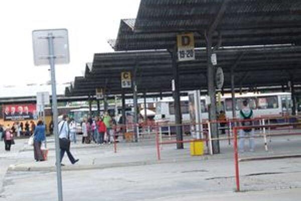 Prístrešky na autobusovej stanici sú z roku 1978.