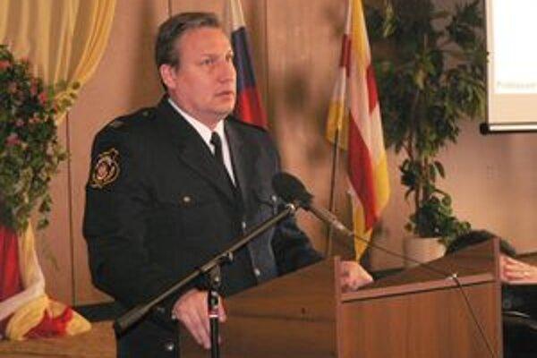 Na mestskom zastupiteľstve vyzdvihol náčelník Mestskej polície v Šali Peter Krokavec odvedenú prácu svojich kolegov.