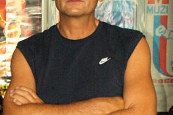 Tréner boxerov Nitry Tibor Hlavačka je nespokojný s vedením boxerského zväzu.