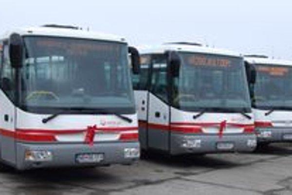 Nových autobusov do prímestských liniek v Nitrianskom kraji je osem.