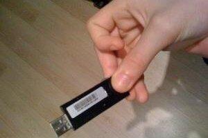 Na USB kľúči, ktorý našiel nitriansky školák, boli informácie o armáde.
