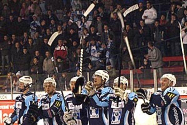 V nedeľu večer mali hokejisti HC K Cero Nitra dôvod na radosť. O body obrali Košice a k tomu ich ešte aj preskočili v tabuľke.