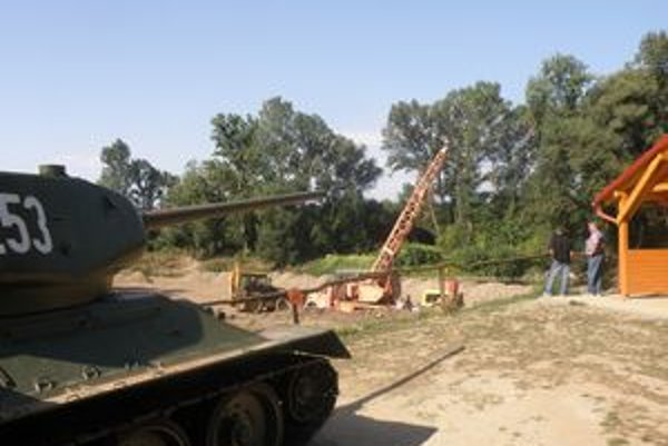 Pri tanku, Dome bojovej slávy a novom altánku pribudne v Kalnej nad Hronom športovo-rekreačný areál.