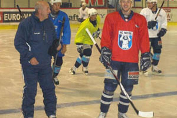 Hokejisti Nitry od pondelka trénujú naplno.