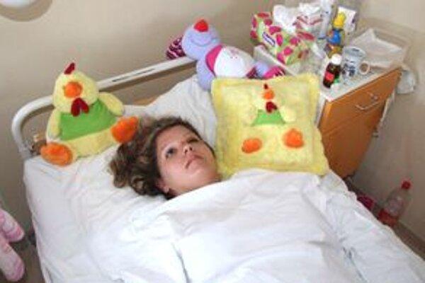 Petra leží na nitrianskej traumatológii. Z Trenčína ju previezli vrtuľníkom.