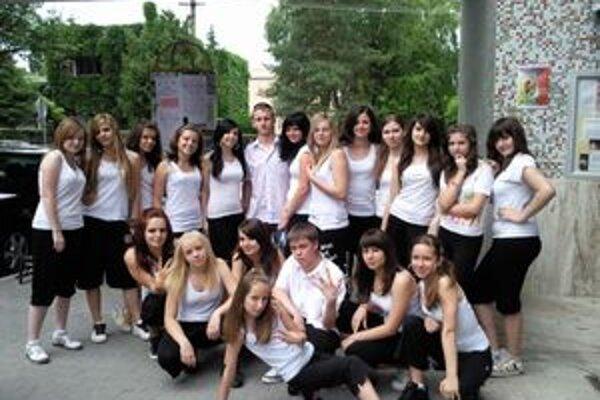 Tanečná skupina Rasťa Gracha.