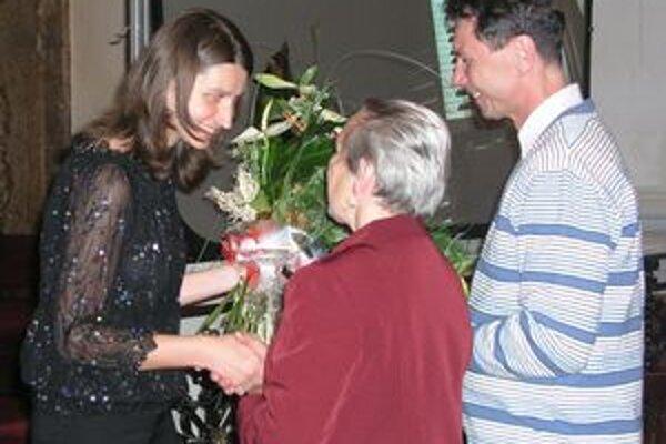 Mária Plšeková preberá gratulácie po koncerte, ktorým včera uzavrela 2. ročník festivalu Ars Organi v Nitre.