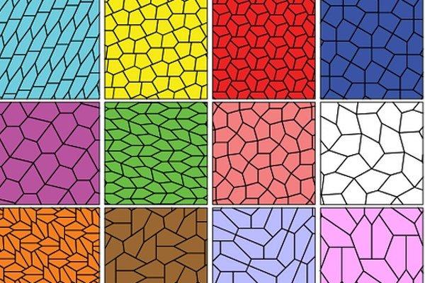 Pätnásť nepravidelných päťuholníkov, ktoré dokážu vyplniť povrch bez prekrývania a bez medzier.