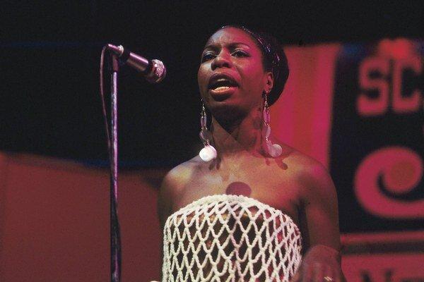 Piesne Niny Simone prespievalo na spomienkovom albume niekoľko hviezd.