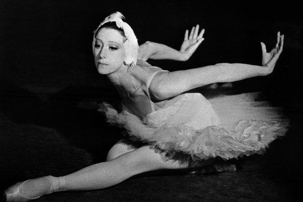Ohromnú kariéru ruskej primabaleríny nezastavil ani zlý kádrový profil. Labutie jazero tancovala päťstokrát.