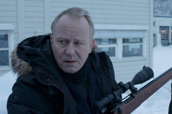 Stellan Skarsgard (63), švédsky herec. Často spolupracuje s Larsom von Trierom, hral v jeho filmoch Prelomiť vlny, Dogville či Nymfomanka. Gus van Sant ho obsadil do filmu Dobrý Will Hunting, david Fincher do trileru Muži, ktorí nenávidia ženy. Ak