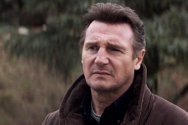 Liam Neeson, tentoraz ako detektív, ktorý kedysi veľa pil a musel odísť do výslužby.